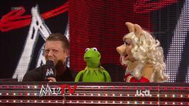 WWE-TributeToTheTroops-08-(2012-12-19)