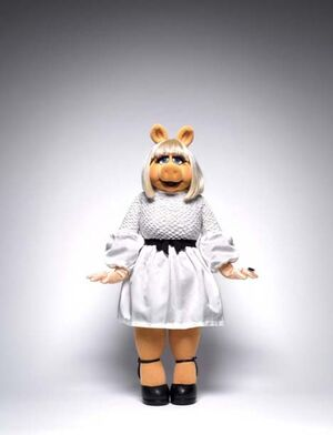 InStyle-MissPiggy-White-(November-Issue-2011)