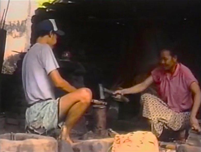 File:Bali.recycling.jpg