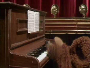 File:Rowlf-backhead.jpg