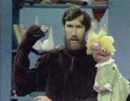 MuppetPuppetPlays06
