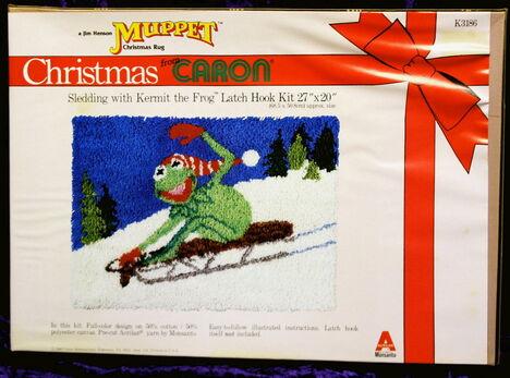 Caron latch hook kit christmas kermit sled