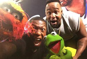 LAClippersGame-(2015-03-15)-Kermit&Animal-NateRobinson&BigBaby