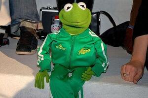 Adidas-BerlinFashionWeek-Kermit-02-(2006-01-29)