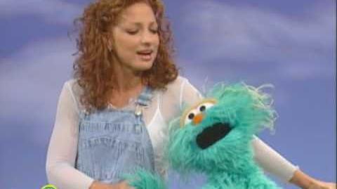 Sesame Street Gloria & Rosita Sing A Song