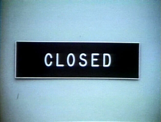 File:Sign.CLOSED.jpg