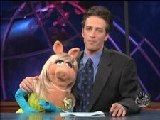 Dailyshow-misspiggy