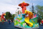 Sesame place parade 2012 murray