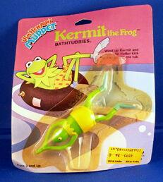 Tomy 1983 bathtubbies wind-up toy kermit
