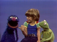 Muppet & Kid Moments: Grover and Kermit