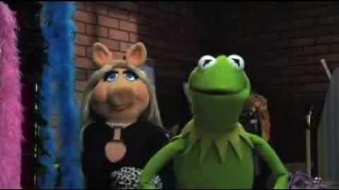 What's a Whatnot? - No One is Bigger than Miss Piggy