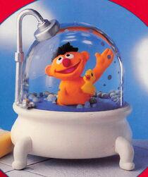 Enesco 1993 snowglobe bath ernie