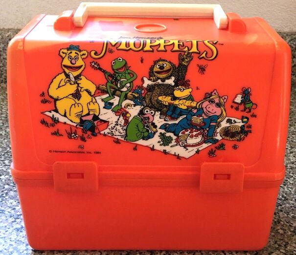 File:1981MuppetsOrangeLunchbox.jpg