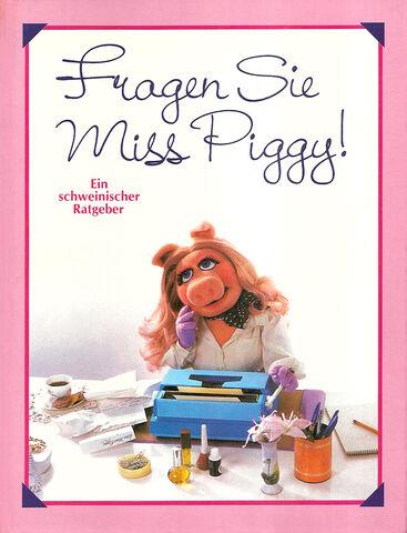 File:Fragen sie miss piggy.jpg