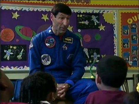 File:3696.Astronautvisitsschool.jpg