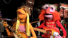 TheMuppets-Behind-The-Scenes-Interviews-Janice&Floyd
