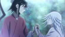 Jinbei and Kuroageha holding hand