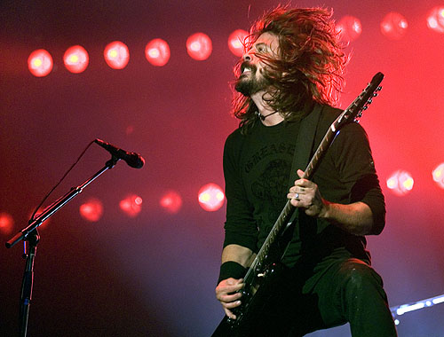 File:FooFighters-KU102-070819.jpg