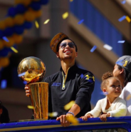 Stephen-Curry-and-Family-Celebrate-Golden-States-Win-on-a-Parade-Float-in-Oakland-California-Riley-Pie-3