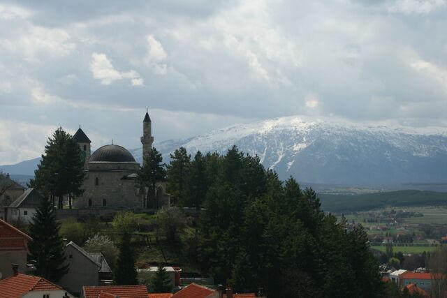 File:Prema Konj 'Horse Peak' of Kamešnica (Dinaric range) 34656383.jpg
