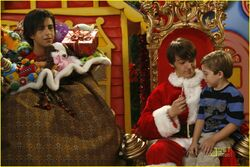 Merry-Christmas-Drake-Josh-drake-and-josh-2987955-1222-817