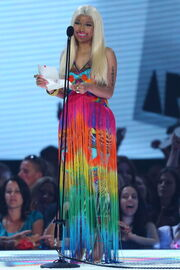 Nicki-minaj-2012-aria-awards-australia10