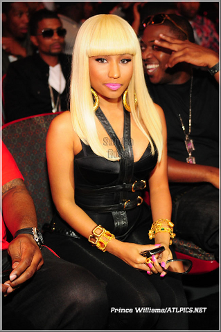 File:Nicki 3 BET hip hop 2010.png