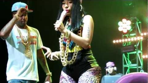"""Nicki Minaj picking fans to go on stage to dance and sing along to """"Bed Rock"""" in Detroit - 7 17 2012"""