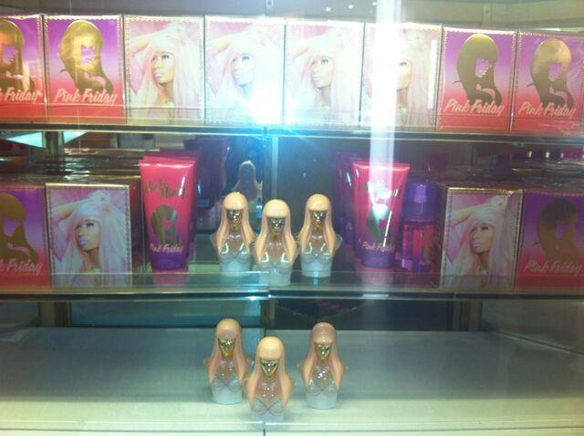 File:Pink friday fragrance 2.jpg