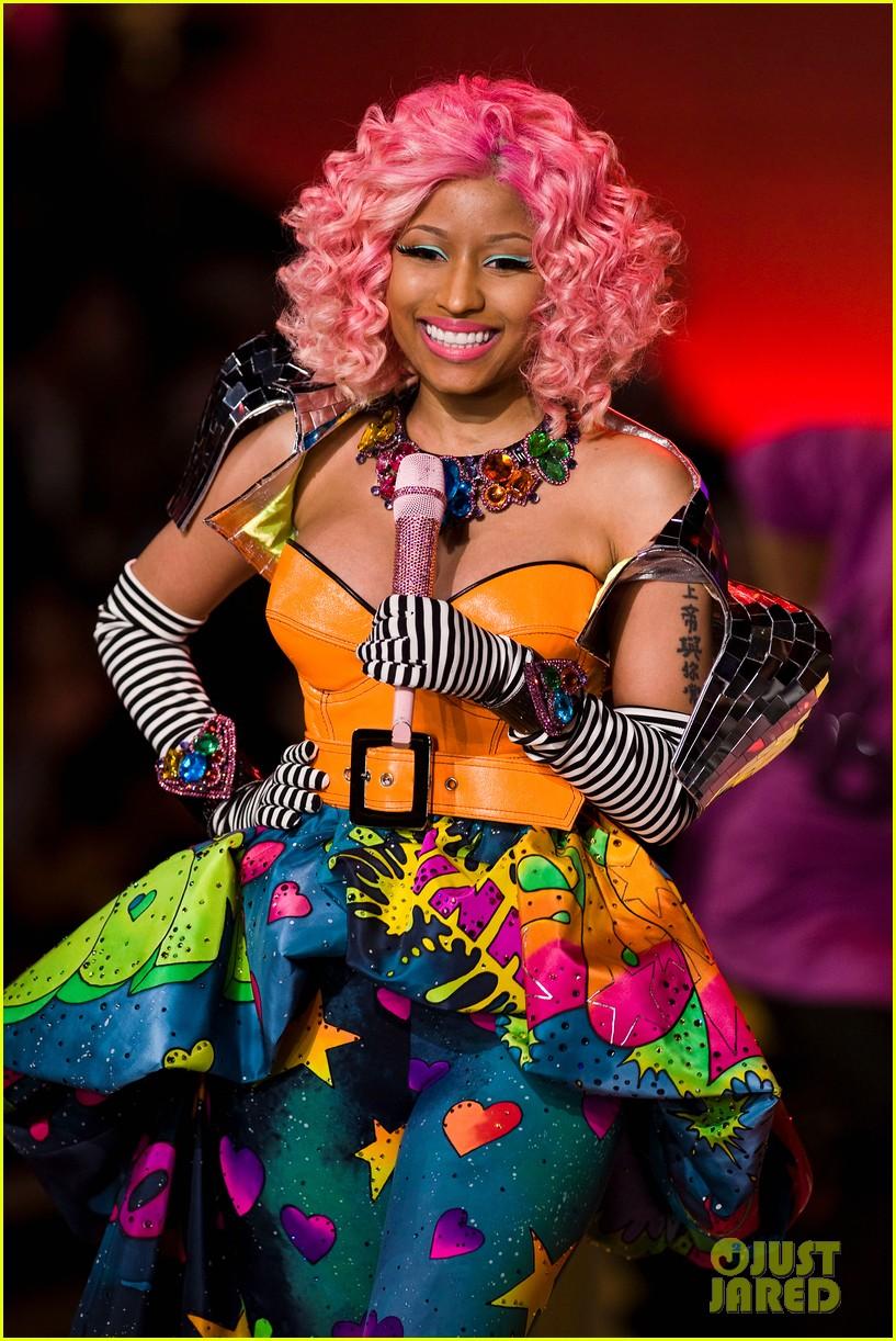 Nicki Minaj Victoria S Secret Fashion Show