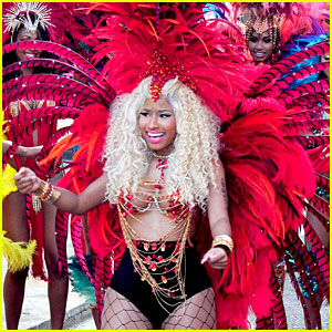File:Nicki-minaj-pound-the-alarm-video-shoot.jpg