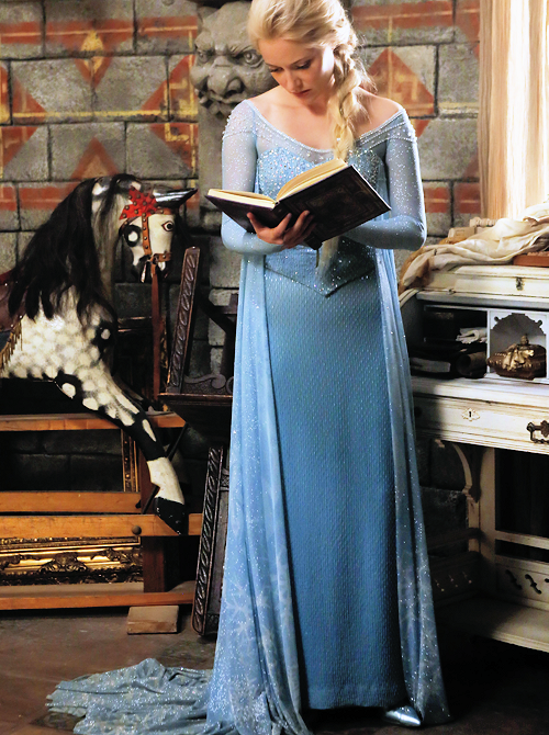 "My Elsanna Haven — its-grace-sally-irene: ""I wanna read your..."