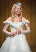 Item4.rendition.slideshowHorizontal.ss05-glinda-oz-great-and-powerful