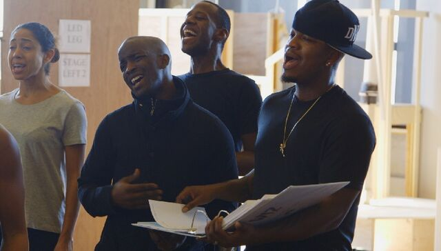 File:Elijah-Kelley-and-NE-YO-rehearse-1124-1.jpg