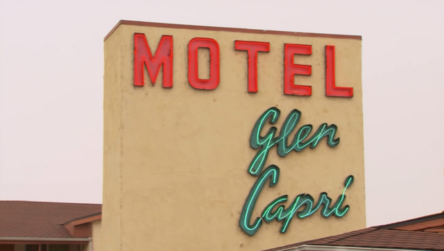 File:Motel Glen Capri.png