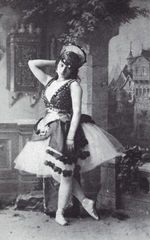 File:Esmeralda -Virginia Zucchi -1886.jpg