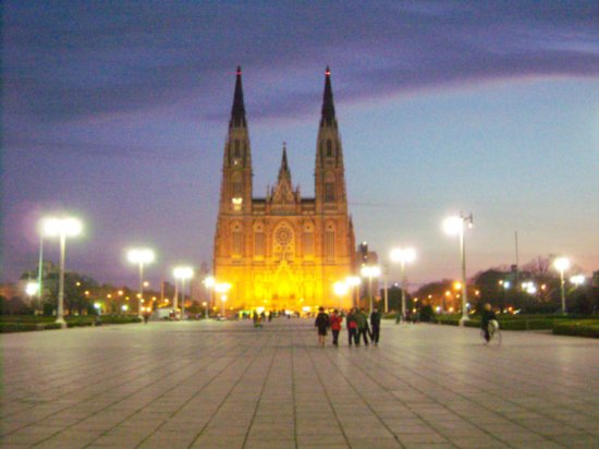 File:My big log.1218396960.the-cathedral-in-la-plata.jpg