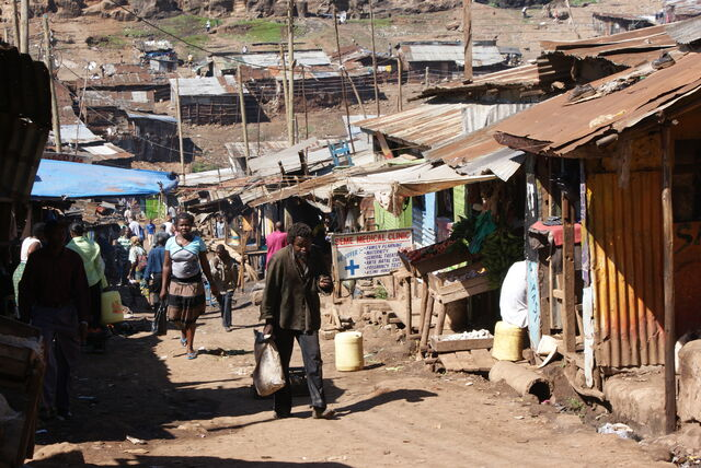 File:Slums in Nairobi, Kenya (7) 0.JPG