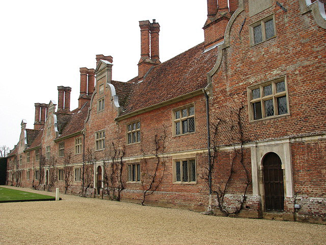 File:Blickling Hall - west wing - geograph.org.uk - 774822.jpg