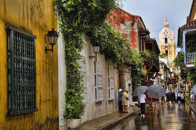 File:Stunning gorgeous Cartagena street after rain.jpg