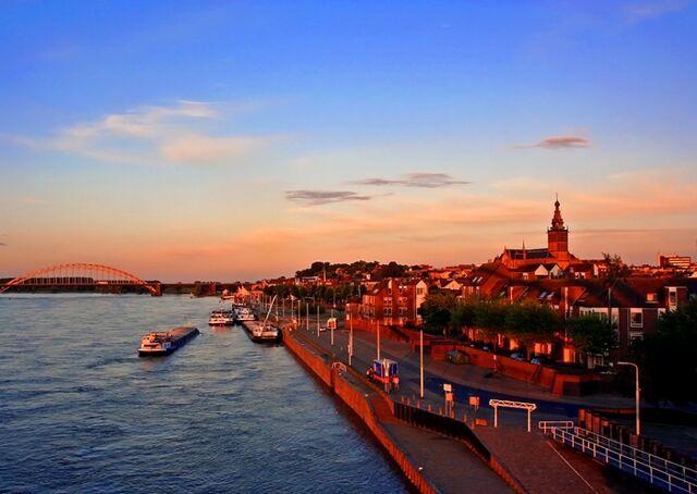 File:Nijmegen1.jpg