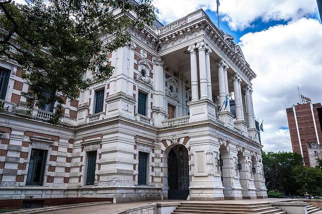 File:800px-Casa de Gobierno de la Provincia de Buenos Aires-La Plata-1.jpg