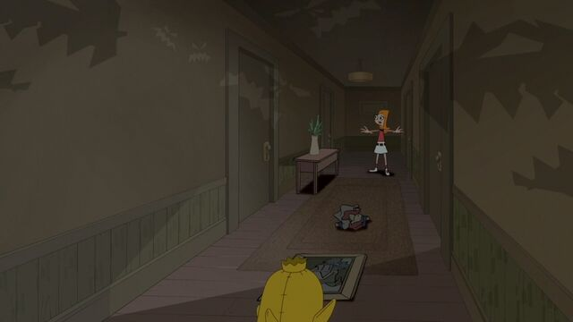 File:Candace in the hallway trying to get away from Ducky MoMo.jpg