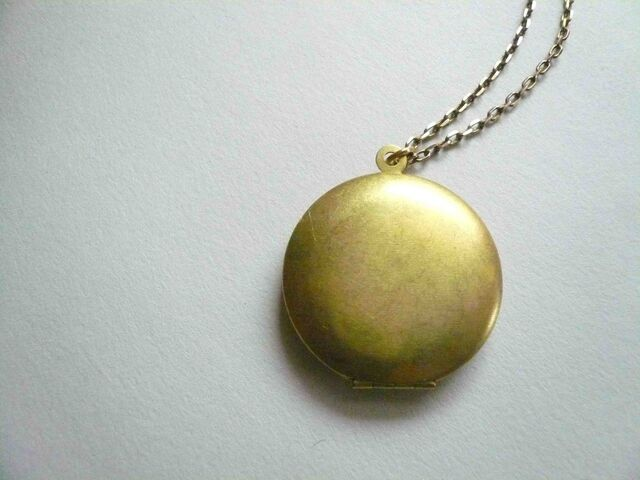 File:Gold Locket.jpg