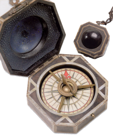 File:Jack Sparrow's Compass Opened and Closed.png