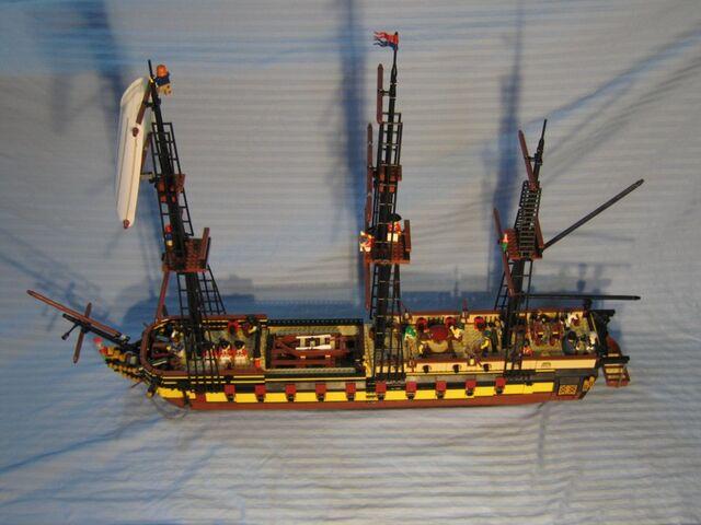 File:HMS Providence (Lego).jpg