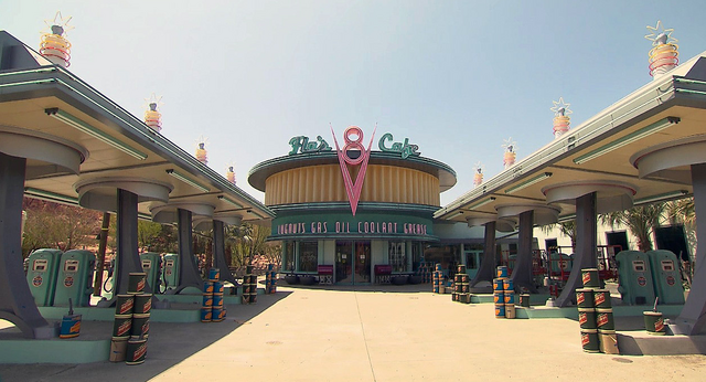 File:Flo's V8 Cafe Cars Land.png