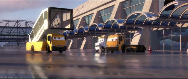 File:Cars2-disneyscreencaps.com-5209.jpg