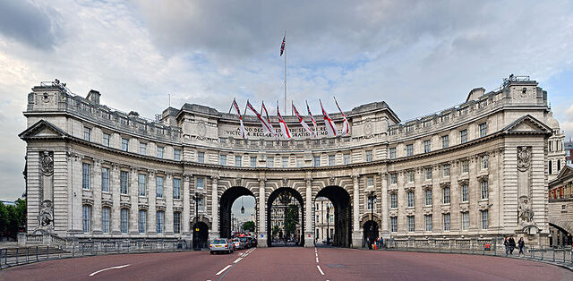 File:800px-Admiralty Arch, London, England - June 2009.jpg