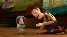 Toy Story Toon short Small Fry Woody Mini-Buzz